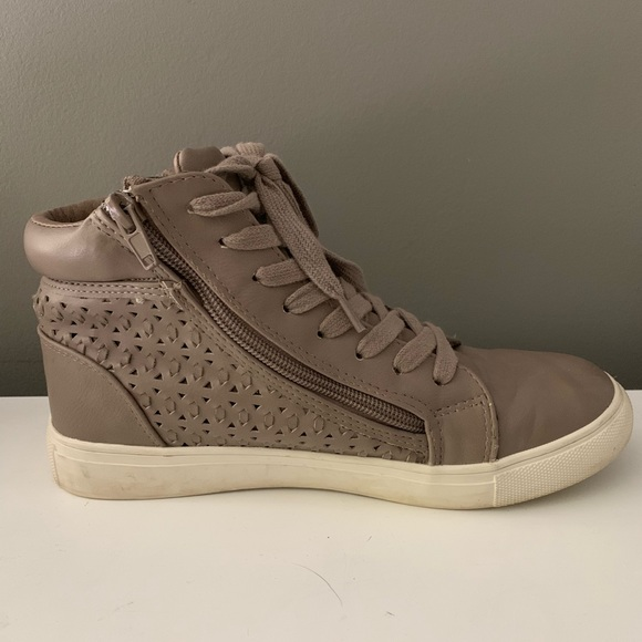 Steve Madden High Top Leather Sneakers